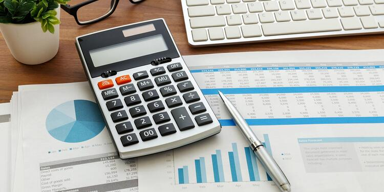 Consider-outsourcing-your-bookkeeping-Bukaty-Hubsopt-Fall-2020
